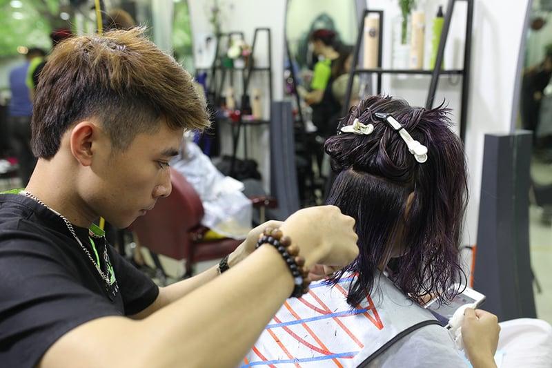 Hoa-an-hair-salon-nhan-vien