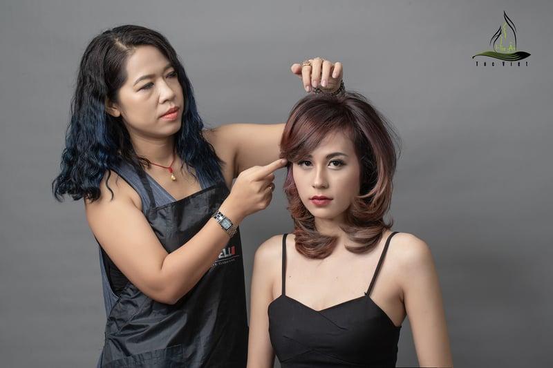 Hoa-an-hair-salon-chi-chu
