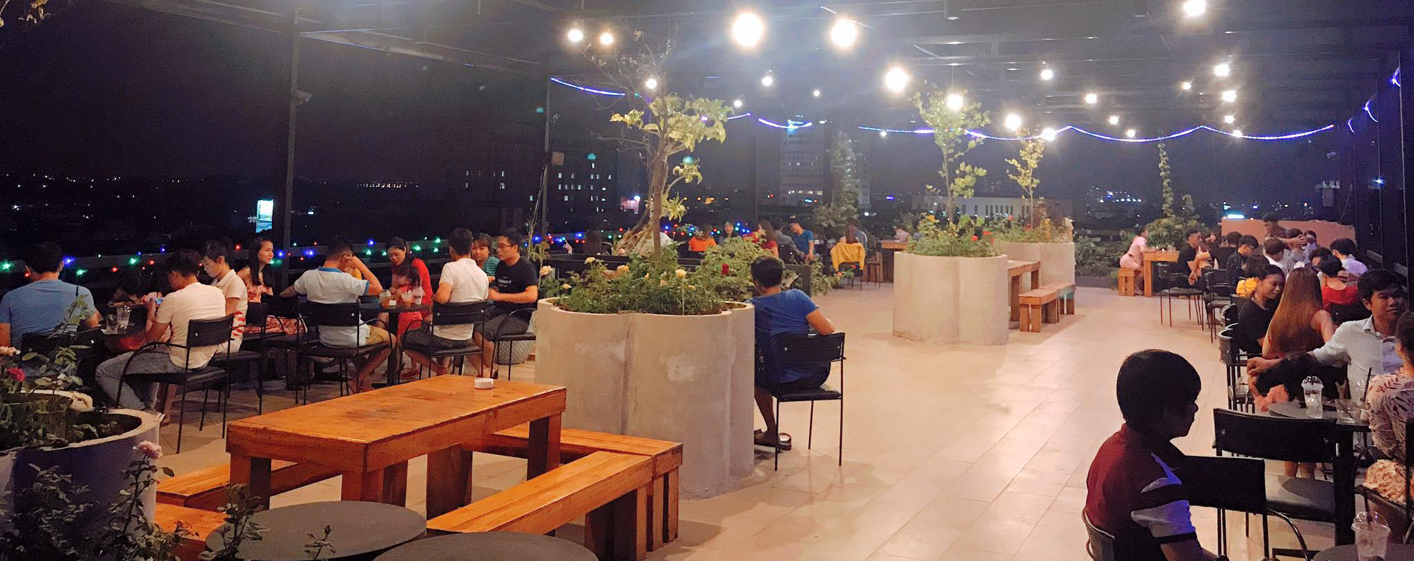 Sky-rooftop-cafe-bbq-san-thuong
