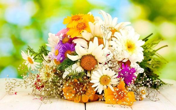 dịch vụ cắm hoa tươi ngày lễ