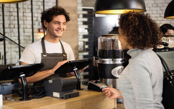 sử dụng máy in tại quán cafe