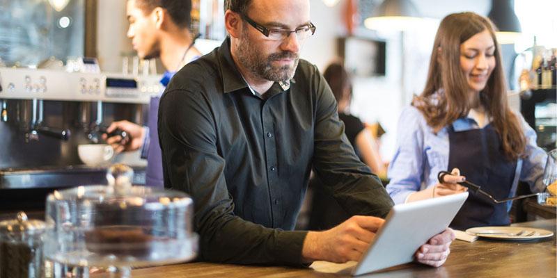 nhân viên ghét phần mềm quản lý bán hàng vì giao diện khó sử dụng