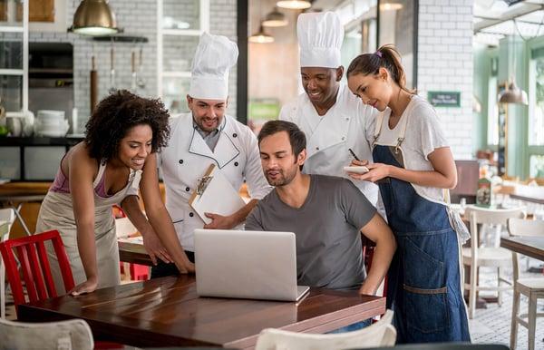 quản lý khen thưởng nhân viên nhà hàng