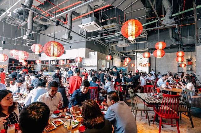 chi phí tiền điện, lương nhân viên khi nhà hàng hoạt động