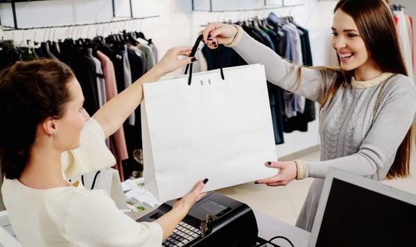 tuyển dụng đào tạo nhân viên bán hàng thời trang