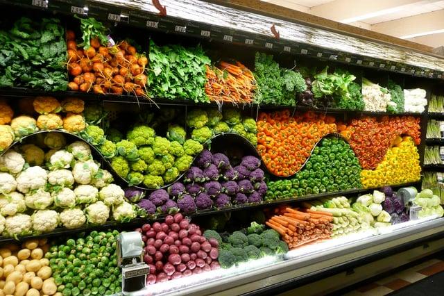 bảo quản rau củ trong kho siêu thị mini