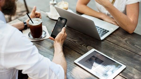 Tận dụng truyền thông mạng xã hội cho quán cafe
