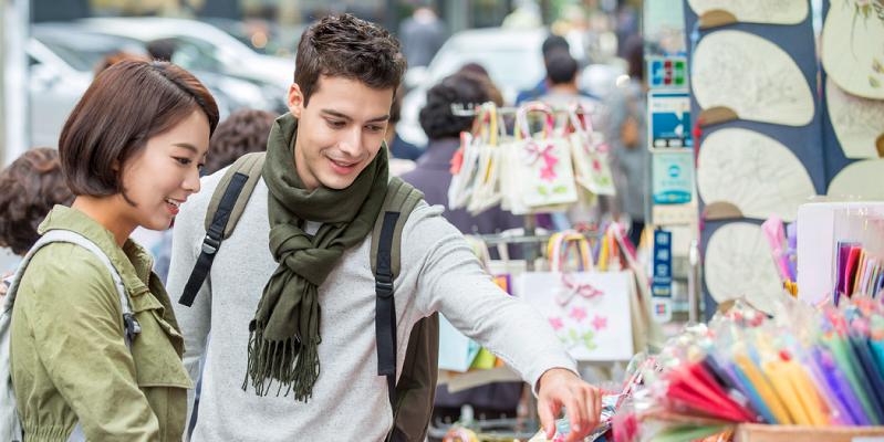 Làm sao quản lý cửa hàng đồ lưu niệm hiệu quả?