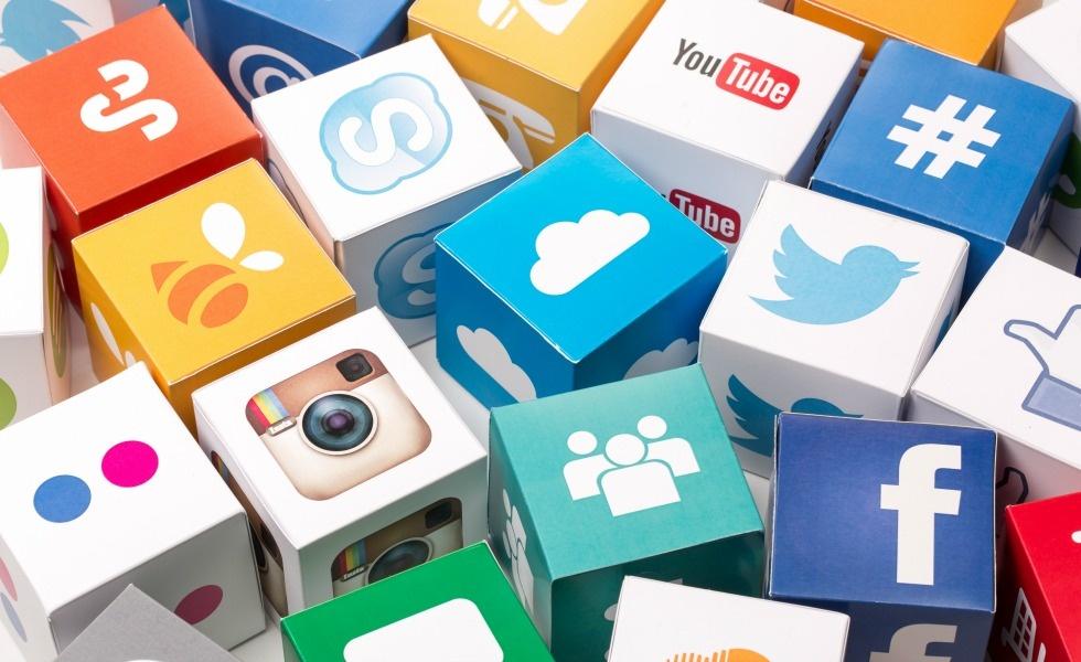 Thực hiện các chiến dịch marketing để bán hàng