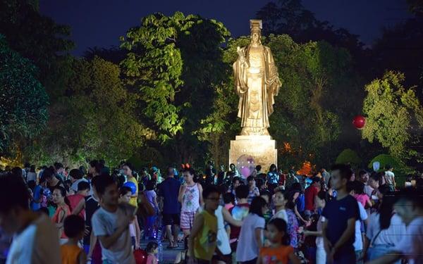 Phố đi bộ Nguyễn Huệ vào các dịp lễ