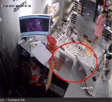 nhân viên ăn cắp tiền cửa hàng 2
